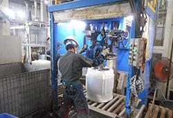 水槽ユニット分離装置